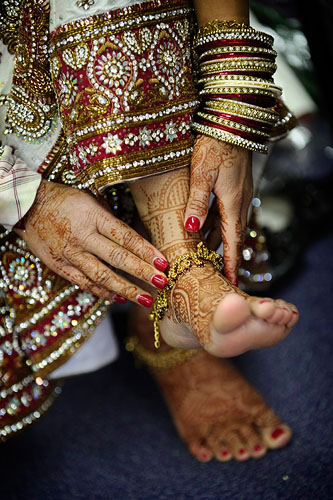 Scroll right for Lampton Park Indian wedding